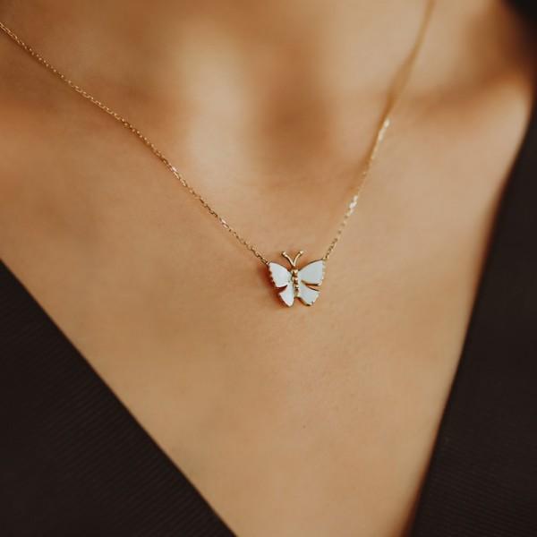 Beyaz Mineli Kelebek Kolye